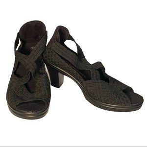 Bernie Mev. Flex Washable Breathable Heel Pump